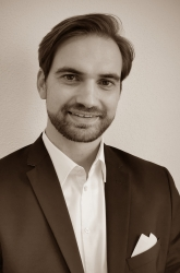 Dr. Tobias Pflock